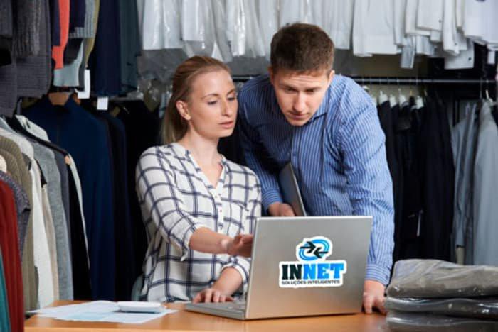 Quais as vantagens da integração de sistemas entre loja e fábrica de roupas?